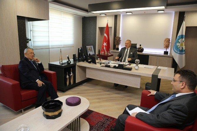 Akçura'dan Başkan Ergün'e Hayırlı Olsun Ziyareti