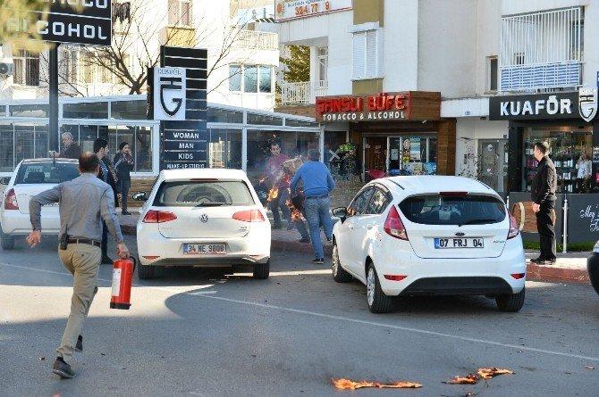 Antalya'da Bir Kişi Kendini Ateşe Verdi