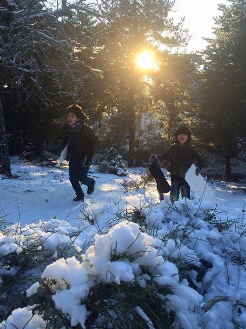 Aydın'da Öğrenciler Tatilin Son Günü Kar Keyfi Yaptı