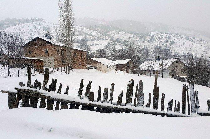 Gümüşhane'de 95 Köy Yolu Ulaşıma Kapandı
