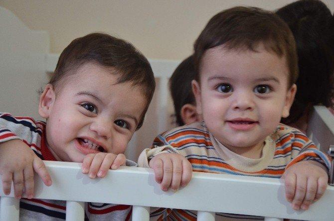 Üçüz Bebek Babası, Aziz Yıldırım'dan Yardım İstedi