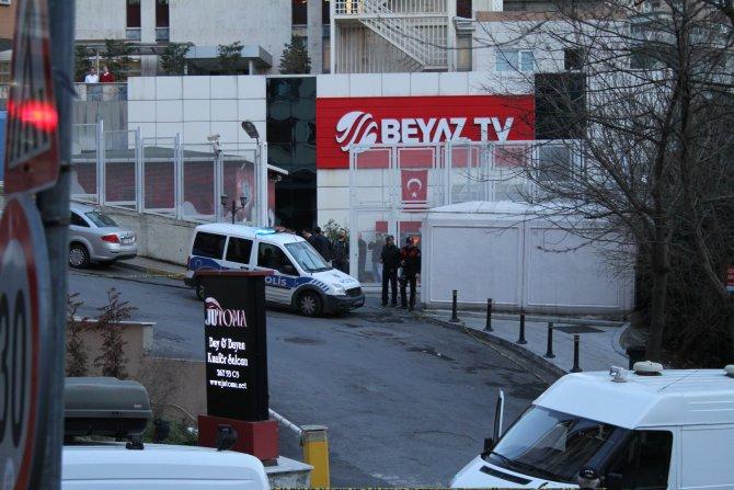 Televizyon binası önünde şüpheli valiz paniği