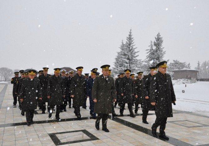 5. Genelkurmay Başkanı Orgeneral Gürman Devlet Mezarlığı'nda Anıldı
