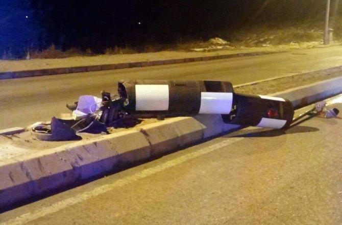 Cezaya sinirlenen genç traktörle radar kulesini devirdi