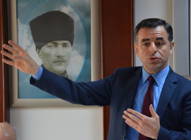 CHP'li Yarkadaş: Başkanlık sisteminde büyükşehirler şube müdürlüğü olacak