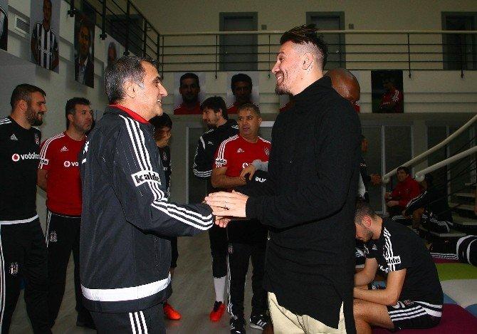 Ersan Gülüm Beşiktaş İle Vedalaştı