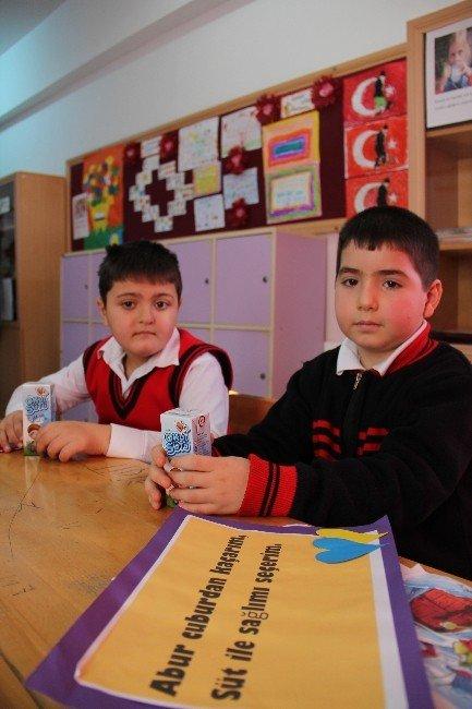 Çorum'da İlk Ders 'Okul Sütüyle' Başladı
