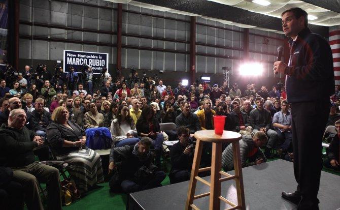 Marco Rubio New Hampshire'da seçmenleriyle buluştu