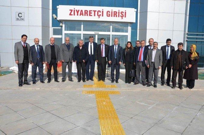 Üniversitede Açılacak Hastane Ulaşımı İçin 26 Yeni Araç Alındı