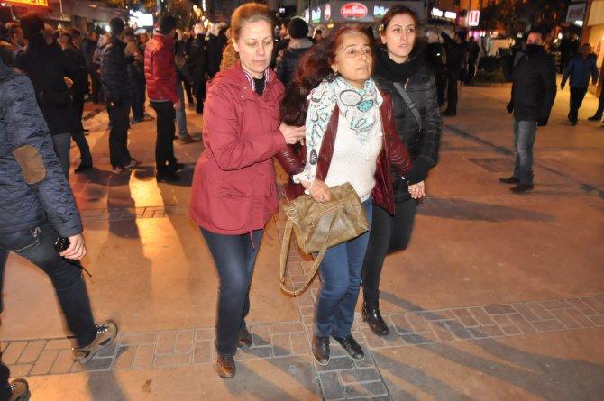 İzmir'de HDP'li yöneticiler gözaltında