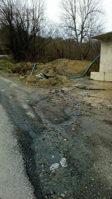Kanalizasyon Suları Çeşmenin Önüne Akıyor