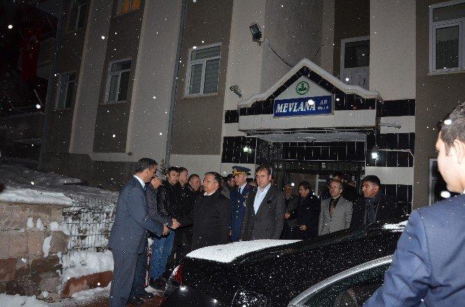 Milli Savunma Bakanı Sayın İsmet Yılmaz, Kayseri'de Şehit Ailesini Ziyaret Etti