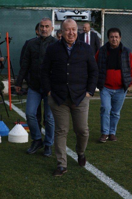 ETO'o, Fenerbahçe'yi Yenen Arkadaşlarını Tebrik Etti