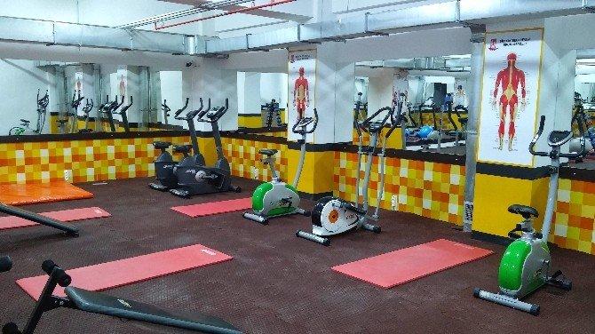 Bilecik Belediyesi Spor Merkezinde Sportif Aktiviteler Devam Ediyor
