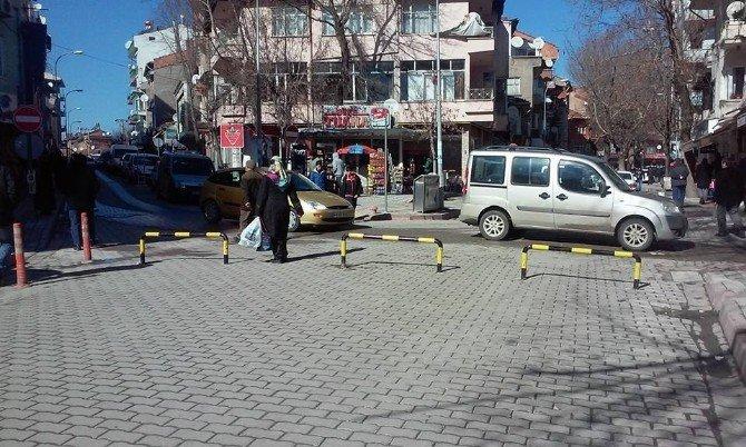 Emet Ve Emirler Caddesi Trafiğe Kapatıldı