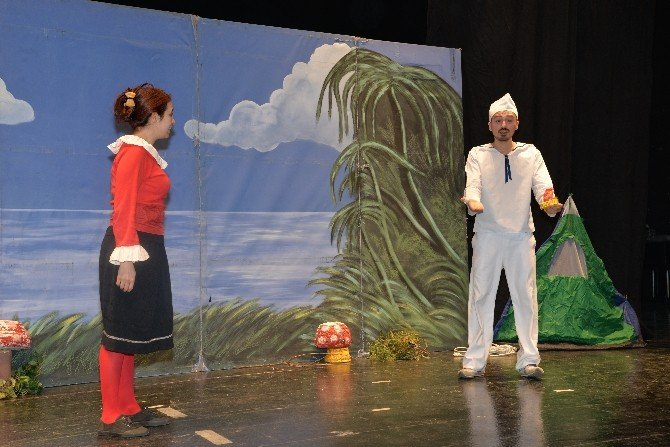 Çocuklar Yarıyıl Tatilini Ücretsiz Sinema Ve Tiyatro Oyunları İle Dolu Dolu Geçirdi