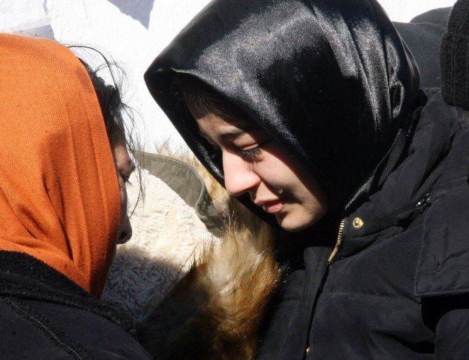 Adana'da Kazada Ölen Cumhuriyet Savcısı, Memleketi Yozgat'ta Toprağa Verildi