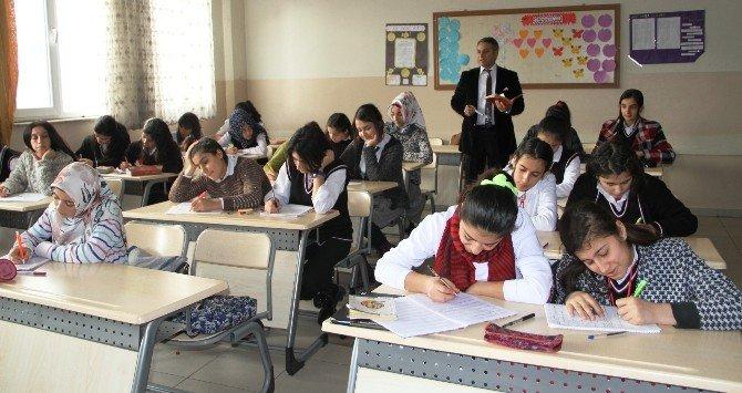 Van'da 333 Bin Öğrenci Ders Başı Yaptı
