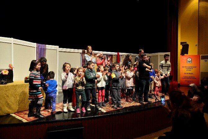 Yıldırım'da Çocuklar Tiyatroyla Öğreniyor