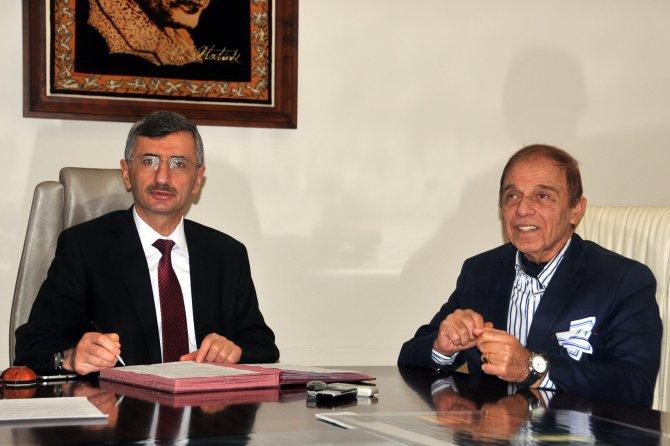 İhtiyaca cevap vermeyen Turgutlu'da hayırsever Aile Sağlığı Merkezi yaptıracak