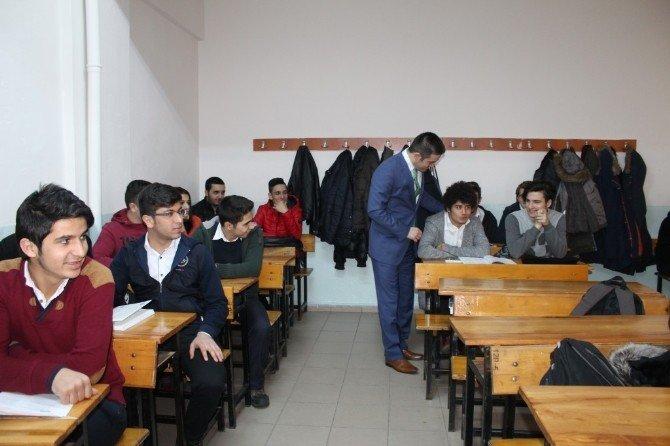 Milli Eğitim Müdürü Memiş, İbrahim Bodur Lisesini Ziyaret Etti