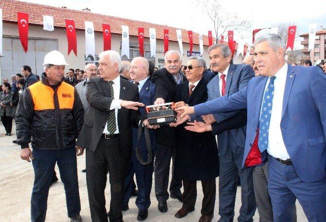 Büyükşehir Ek Hizmet Binası Temeli Atıldı