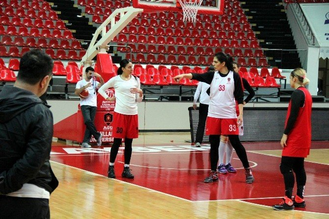 AGÜ'de Hedef Euroleague'de Son 8'e Kalmak