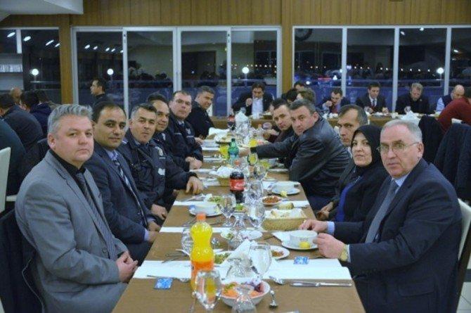 Gediz Belediyesi'nden Güvenlik Güçleri Onuruna Yemek