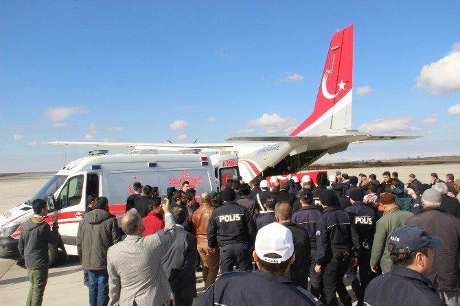 Hakkari'de Şehit Olan Polis Memurunun Cenazesi Şanlıurfa'da Defnedildi