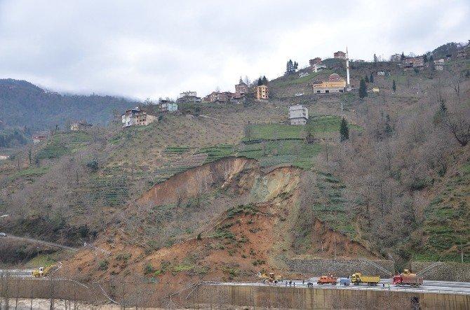 Of-çaykara Karayolu'ndaki Heyelan