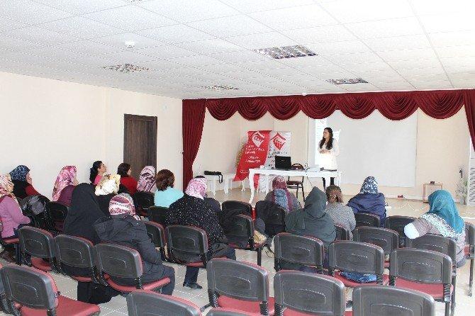 İnönü Belediyesi'nde Hünerli Kadınlara Eğitim Seminerleri