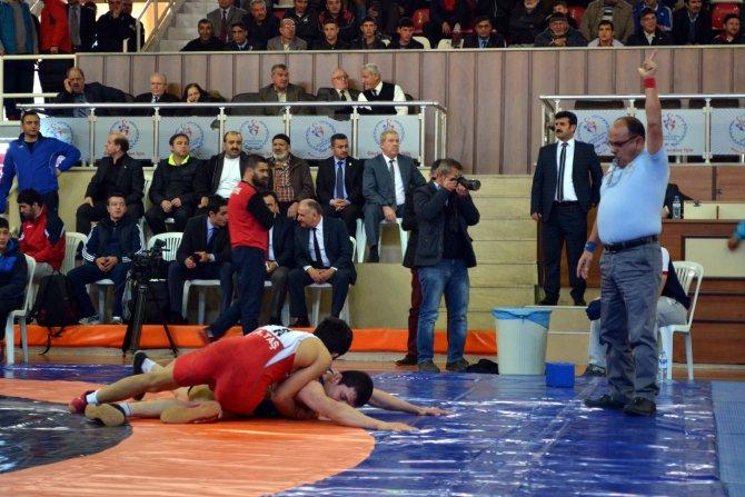 10. Uluslararası Güreş Turnuvası başladı