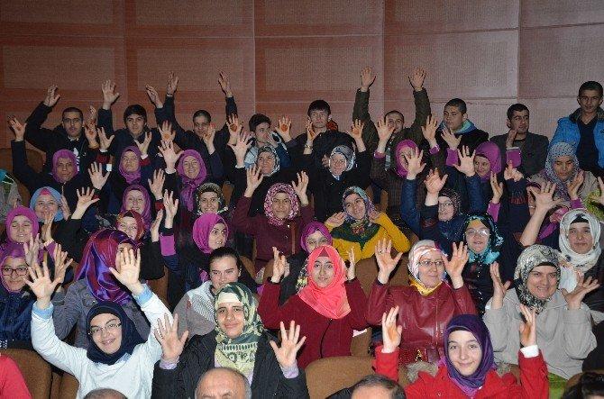 Umre'den Dönen İşitme Engelli Öğrenciler Vali Düzgün'ü Ziyaret Etti
