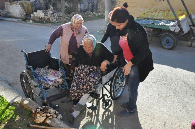 Emanet tekerlekli sandalyeyle hastaneye gitmekten kurtuldu