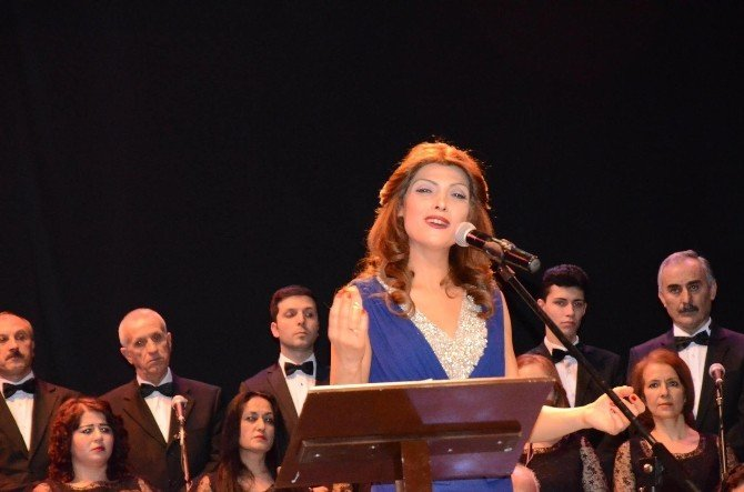 Türk Sanat Müziği Korosu Sezonun İlk Konserini Verdi