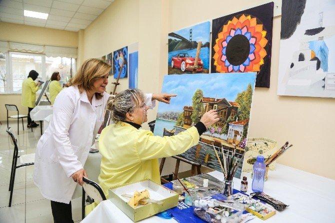 Şehitkamil'deki Bayanlar Resim Yaparak Stres Atıyor