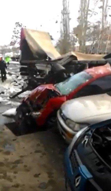 Tortum'da Trafik Kazası: 2 Ölü, 3 Yaralı