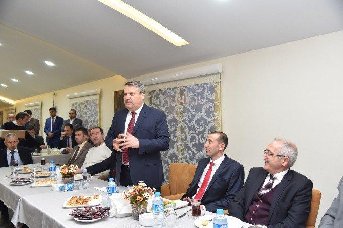 Yunusemre Belediye Başkanı Alaşehir'de STK'larla Buluştu