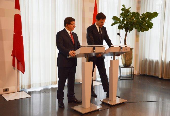 Rutte: Türkiye ile AB arasında insan hakları konusu sürekli gündemde