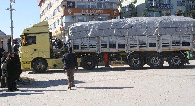 AK Parti Yozgat İl Teşkilatından Bayırbucak Türkmenlerine 6 Tır Yardım Gönderildi