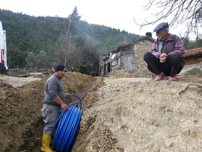 Asat Manavgat'ta Yıpranmış İçme Suyu Hatlarını Yeniliyor