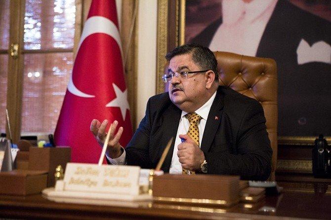 Başkan Selim Yağcı, Sosyal Medya Kullanımında En İyi Başkanlar Arasında