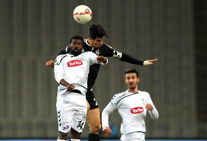 Beşiktaş: 1 - Torku Konyaspor: 0 (İlk yarı)