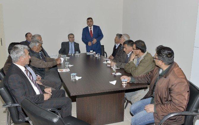 Çamlıyayla'daki Muhtarlara Belediye Hizmetleri Anlatıldı