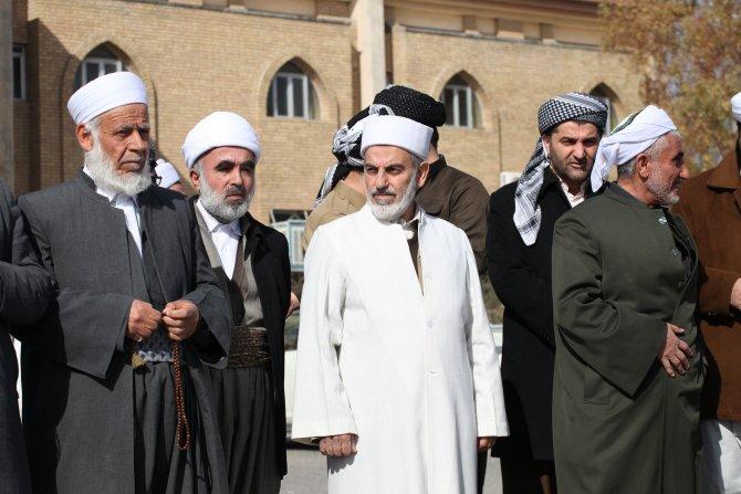 Erbil'de maaşları yarıya düşürülen kamu çalışanlarına imamlardan destek
