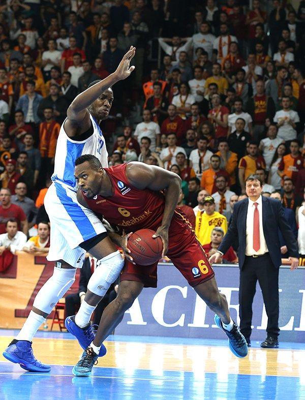 Dinamo Sassari'yi 87-69 mağlup eden Galatasaray grubunu lider tamamladı