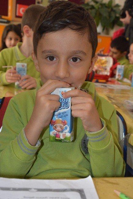 Sinop'ta Öğrencilere Okul Sütü Dağıtıldı