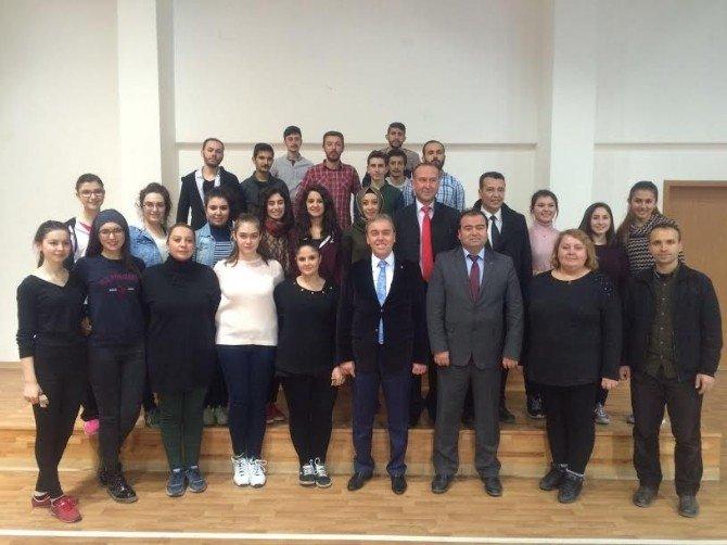 Milletvekili Kavuncu, Gençlik Merkezini Ziyaret Etti