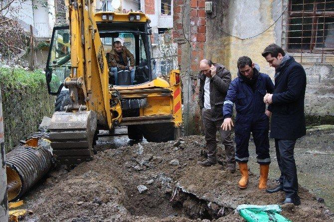 Giresun Belediyesi Kardan Zarar Gören Kaldırımları Onarıyor