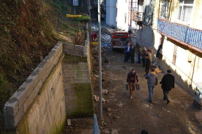 Görele Belediyesi'nden Heyelan Riskine Karşı İstinat Duvarı
